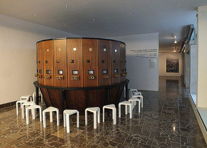 Fotoplastykon w Galerii Arsenał.