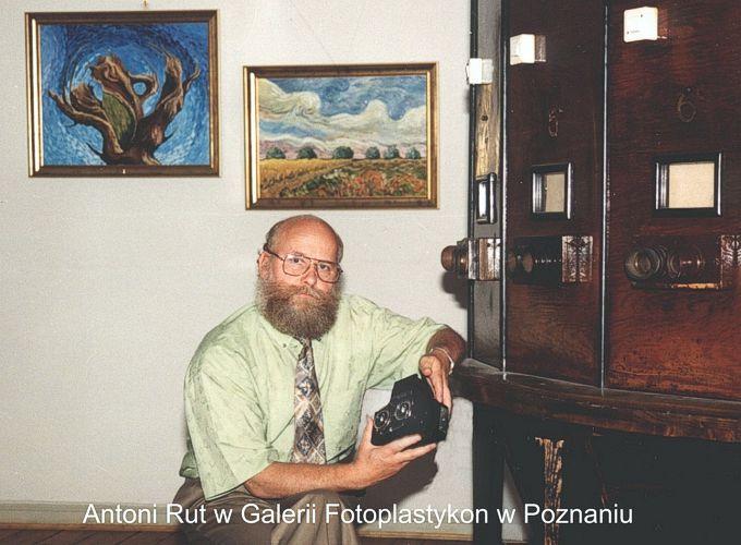 Antoni Rut i fotoplastykon